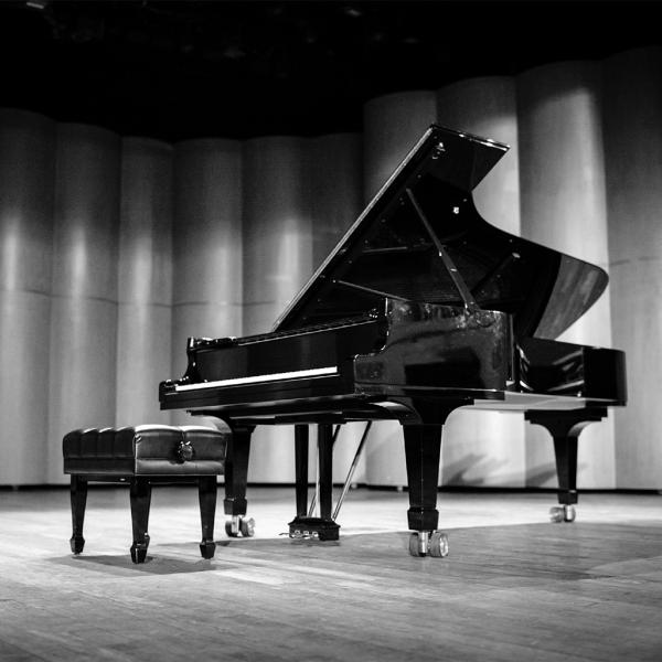 Moonlight Pianos Square 3